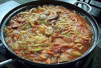 Budae-jjigae - Image: Korean.cuisine Budae.jjigae 01