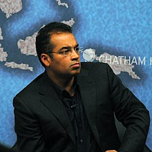 Krishnan Guru-Murthy at Chatham House 2013.jpg