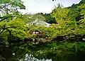 Kyoto Daigo-ji Benten-Teich 13.jpg