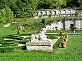 L'Isle-Adam (95), château de Stors, parc, sphinx devant les parterres.jpg