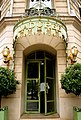 Laduree-champselysees.jpg