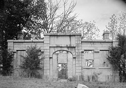 Landsford Canal Lockkeeper's House.jpg