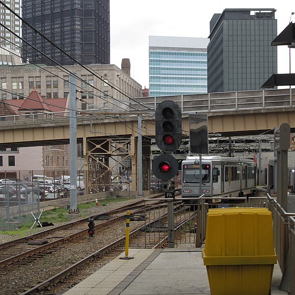 Pittsburgh trolley leaving First Avenue