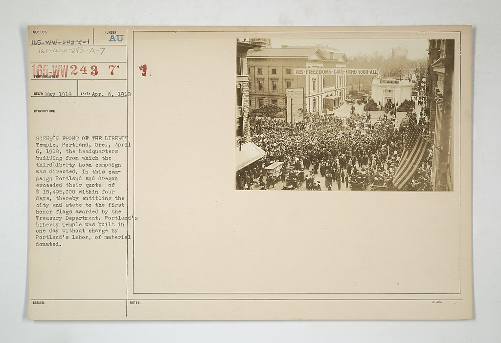 File:Liberty Bonds - Public Gatherings - Scene in front of