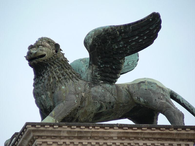 File:Lion col saint-marc 082005.jpg