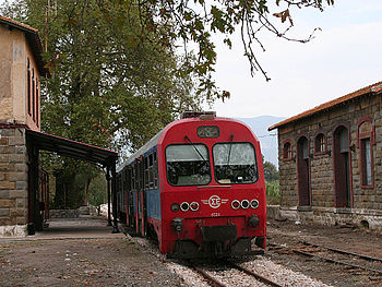 Local train at Messini.jpg
