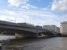 London Bridge from St Olaf Stairs.jpg