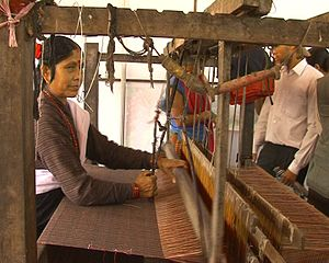 manual loom in Nepal