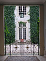 Lyon hotellacroixlaval cour.jpg