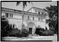 MAIN ENTRANCE PORTAL, VIEW FROM SOUTH - McAneeny-Howerdd House, 195 Via Del Mar, Palm Beach, Palm Beach County, FL HABS FLA,50-PALM,8-3.tif