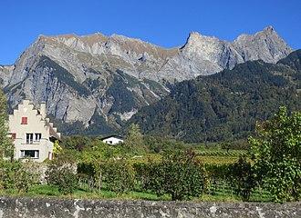 Mazorakopf - Mazorakopf (left) viewed from the Swiss side