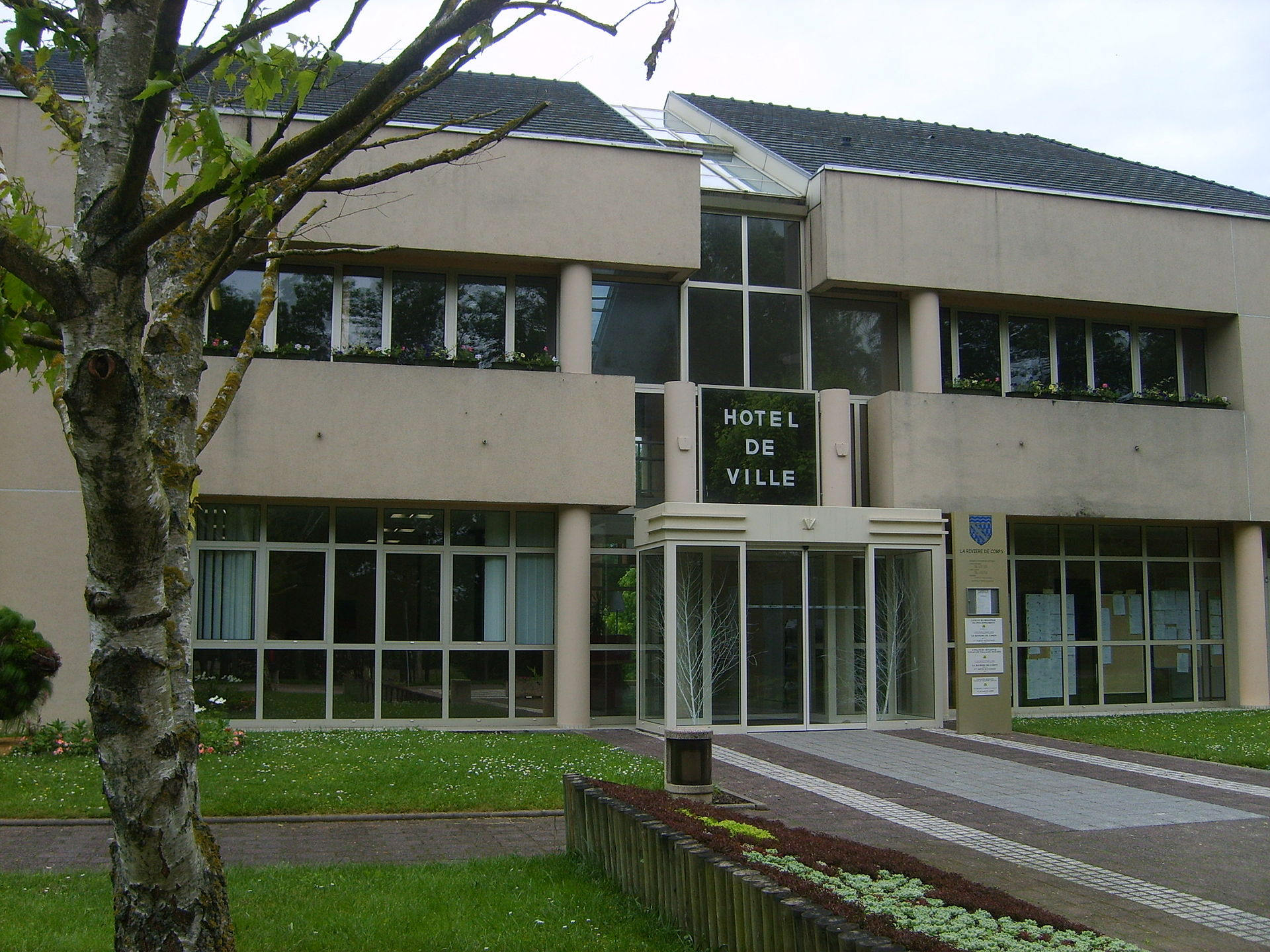 Hotel De Ville Riviere De Corps Aube