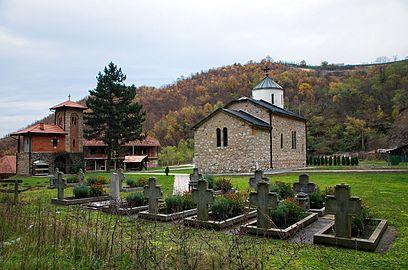 Manastir Vaznesenje, jesen 04.jpg