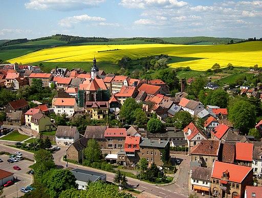 Mansfeld - Vom Schloss Mansfeld auf die Altstadt mit St. Georg-Kirche