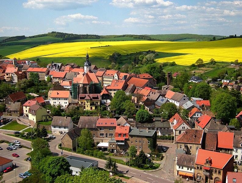 File:Mansfeld - Vom Schloss mit Rapsfeld.jpg