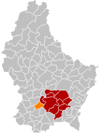 Map of Luxembourg with Bertrange highlighted in orange, the district in dark grey, and the canton in dark red