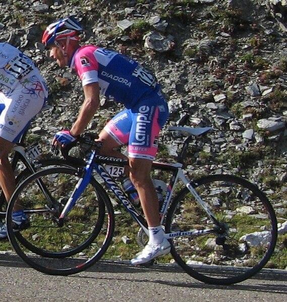 http://upload.wikimedia.org/wikipedia/commons/thumb/7/72/Marco_Marzano_-_Vuelta_2008.jpg/569px-Marco_Marzano_-_Vuelta_2008.jpg