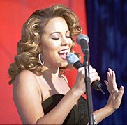Photographie de Mariah Carey à la Base Edwards Air Force Base, en 1998.