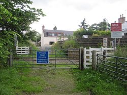 Maryburgh level crossing 2011 (13175160555).jpg