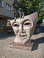 Masko (skulptaĵo en Bjalistoko) 1.jpg