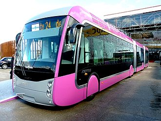 "Prominent articulated ""tram-like"" Van Hool vehicles are used in Metz, France. Mettis BRT Metz.jpg"