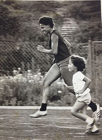 Israel at the 1964 Summer Olympics - Miriam Siderenski running with her daughter