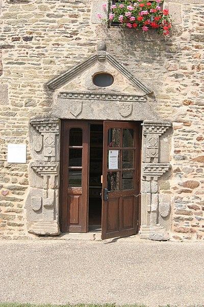 Porte de la bibliothèque de Mohon.