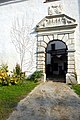 Moosburg Ratzenegg Schloss Tor 03.jpg
