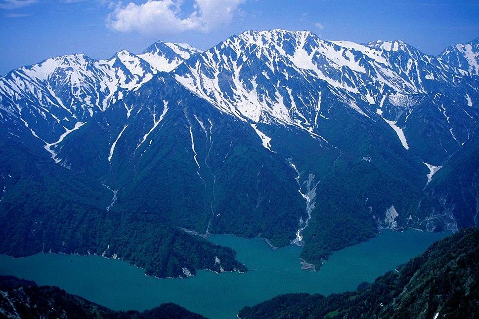 Mount Tate from Mount Harinoki 1998-05-23