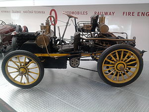 Rear mid-engine, rear-wheel-drive layout - Image: NW Rennzweier Side
