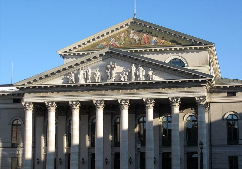 File:Nationaltheater Muenchen-1.jpg