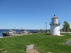 Newburyport Harbor Front Range Light, May 2012, Newburyport MA.jpg