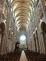 Noyon (60), cathédrale Notre-Dame, nef, vue vers l'est 2.jpg