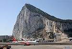 Nueva ruta aérea Gibraltar-Manchester (28048225586).jpg