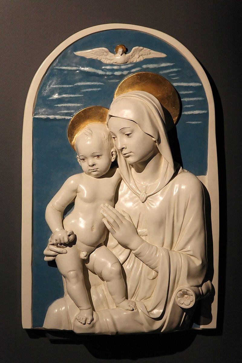 Oberhausen - Gasometer - Der schöne Schein - Madonna with child (Andrea della Robbia) 01 ies.jpg