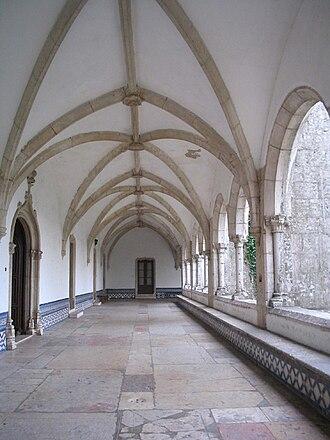 Monastery of São Dinis de Odivelas - Main cloisters of the Monastery of Odivelas with Gothic rib vault and Manueline portals.