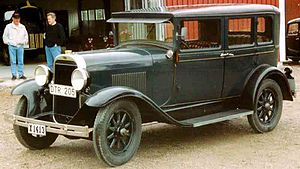 Oldsmobile - 1928 Oldsmobile 4-door sedan