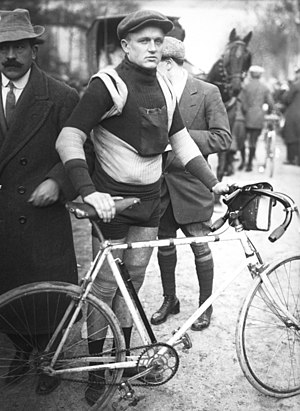 Omer Verschoore - Verschoore at the 1913 Paris–Roubaix