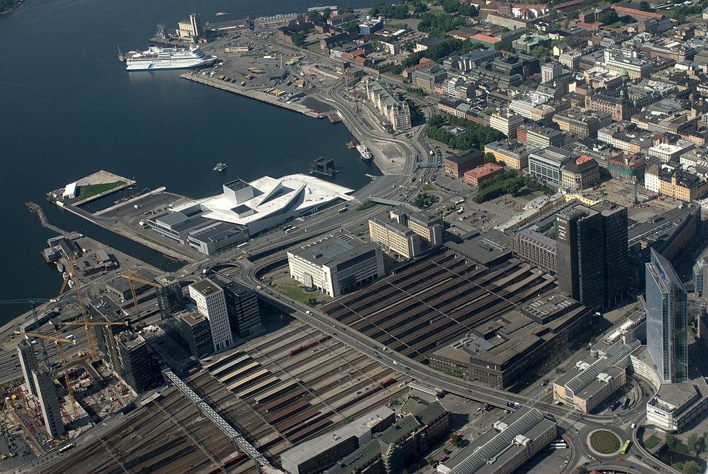 Norveška 1024px-Oslo_S_aerial