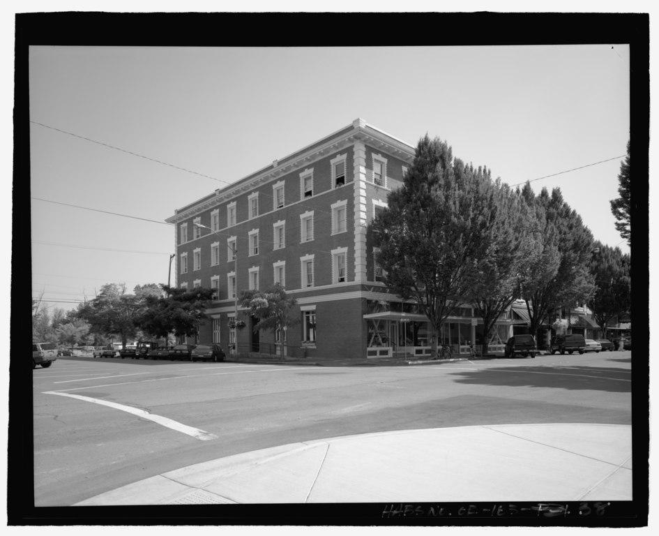 Sixth Street Hotel Hanover New Hampshire