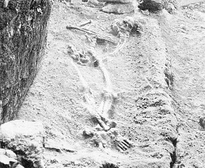 PSM V48 D027 Paleolithic skeleton discovered in a rochers rouge cave 1894.jpg