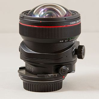Tilt–shift photography - Canon TS-E 17 mm {{f/}}/4L