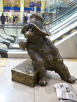 Paddington Bear statue, Paddington station in March 2011 01