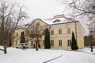 Mokotów - Image: Palace ensemble Sielce DSC 2389