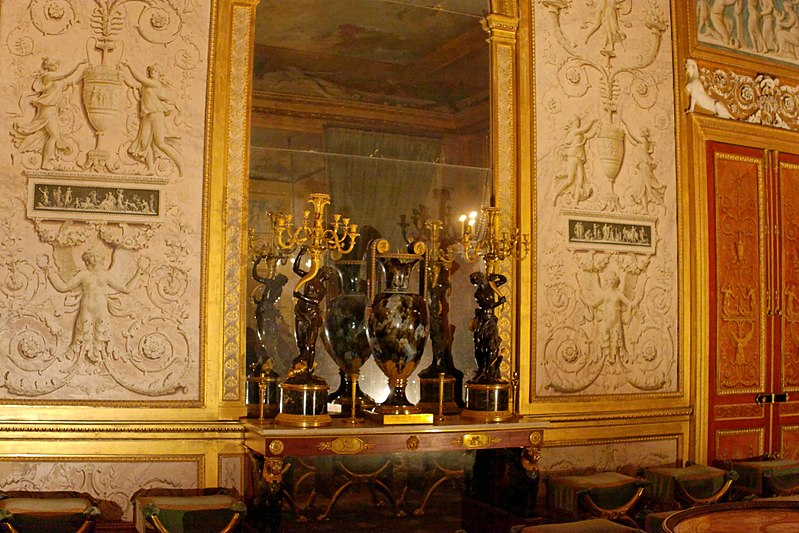 File:Palace of Fontainebleau IMG 3927 DxO (4628949433).jpg