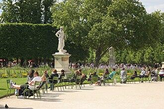 Lucius Quinctius Cincinnatus - The statue of Cincinnatus in Paris's Tuileries Garden