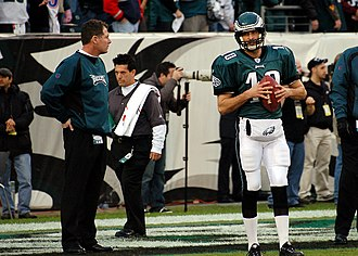 2006 Philadelphia Eagles season - Quarterbacks coach Pat Shurmur and backup QB Koy Detmer before the game