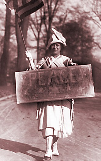 Opposition to World War I - A World War I-era female peace protester