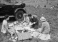 Picknick bij paardenraces, Bestanddeelnr 255-9707.jpg