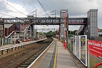Runcorn railway station - Image: Platform 2, Runcorn railway station (geograph 4020290)